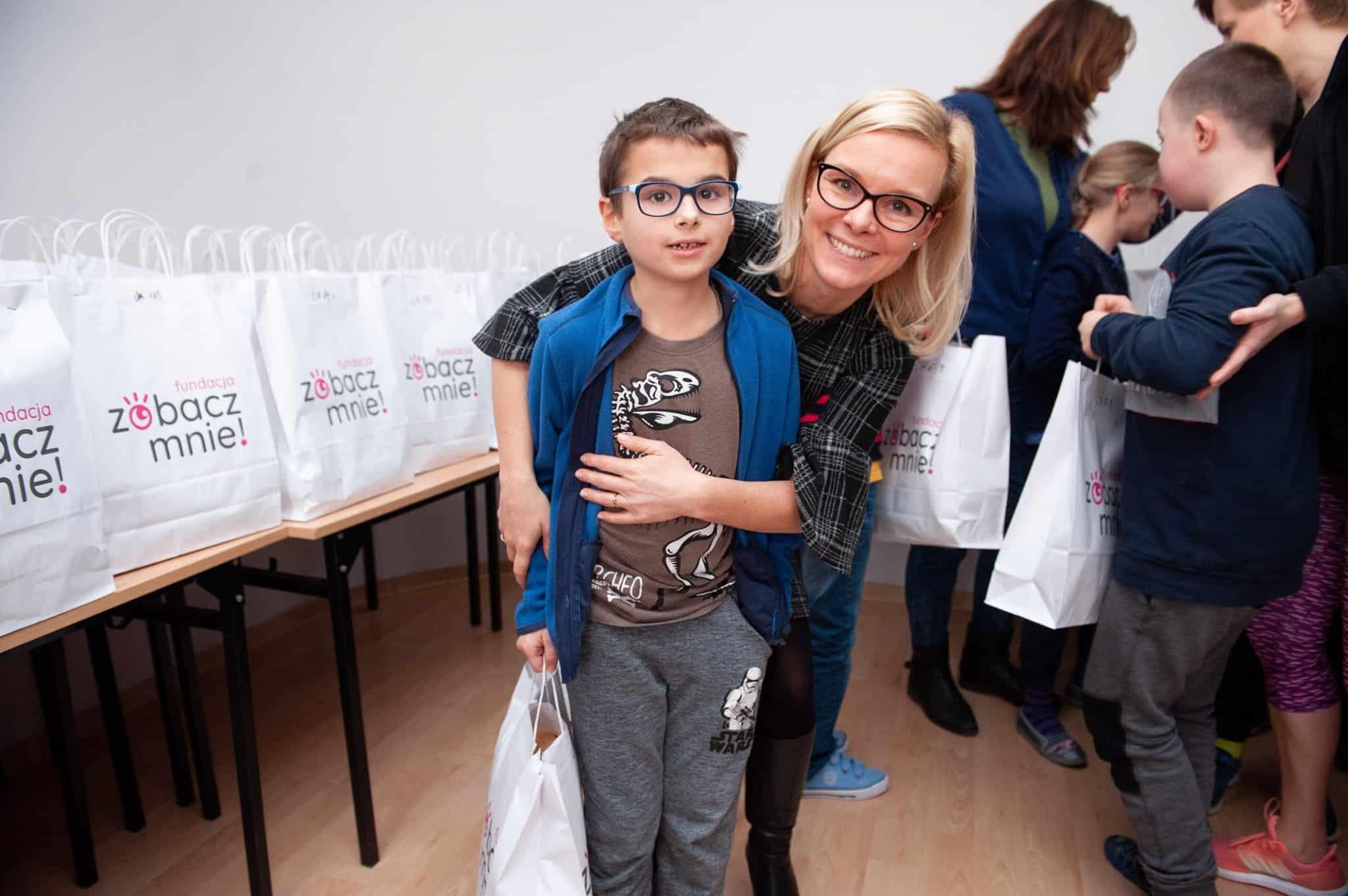 Świąteczna pomoc dla chorych dzieci i niewidomych dzieci